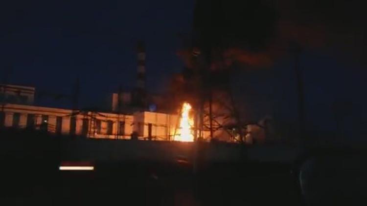 VIDEO, FOTOS: Un incendio en una central eléctrica rusa causa un apagón masivo