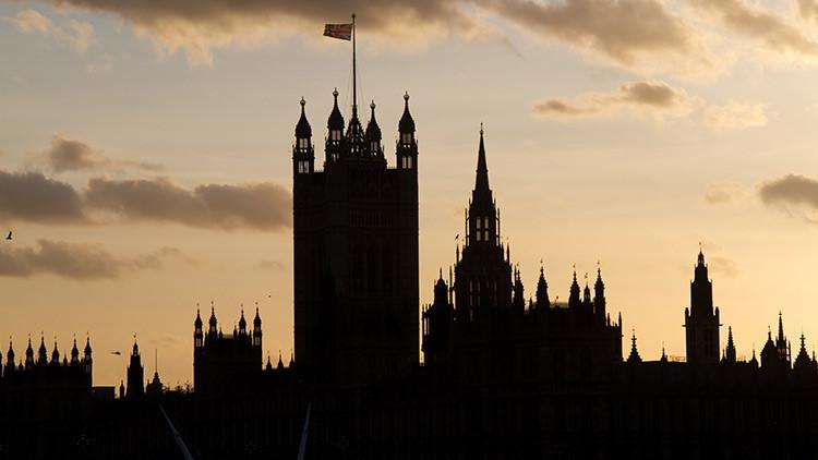 La Policía británica demuestra lo fácil que resulta colarse en el Parlamento y matar a 100 diputados