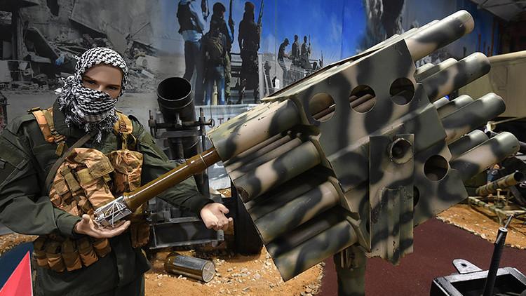 VIDEO, FOTOS: Exponen armas y vehículos incautados del Estado Islámico por el Ejército sirio