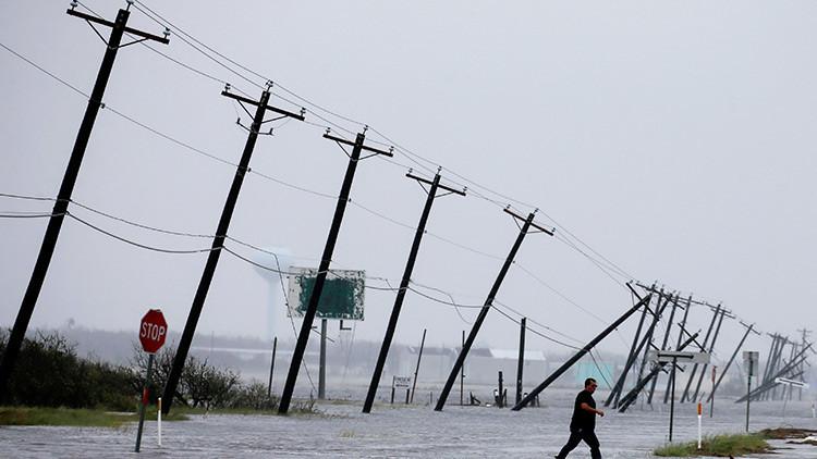 VIDEOS: Un 'cazador de tormentas' se adentra en el ojo del huracán Harvey y lo transmite en vivo