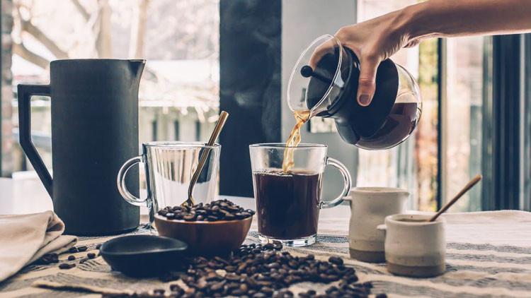 Científicos revelan cuántas tazas de café al día ayudan a evitar una muerte temprana