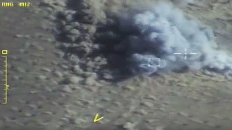 VIDEO: ataques aéreos destruyen tanques, vehículos e instalaciones terroristas en Siria