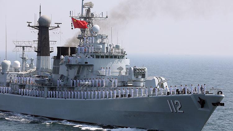 """El arma invisible que permite a China """"mantener como rehenes a un cuarto del mundo sin un disparo"""""""