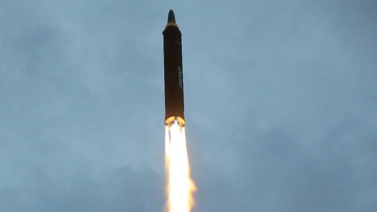 """Kim Jong-un advierte que el último ensayo del misil fue el """"preludio"""" de lanzamientos hacia Guam"""