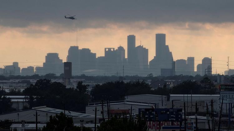 Dos explosiones sacuden planta química cerca de Houston tras paso de Harvey
