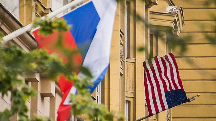 """Moscú: """"Esperemos que Washington entienda la futilidad de los intentos de presionar a Rusia"""""""
