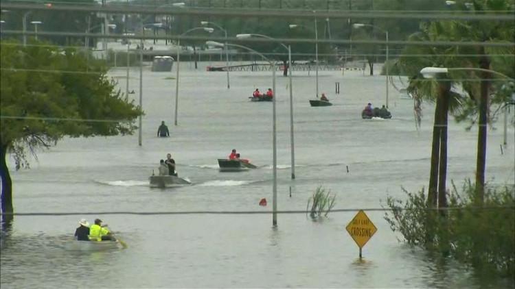 El alcalde de Houston señala la suma necesaria para reconstruir la ciudad