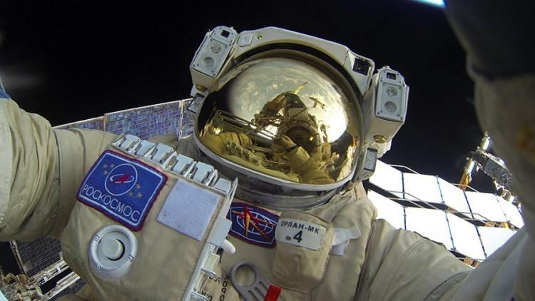 Rusia y China explorarán juntas la Luna y el espacio exterior desde el 2018