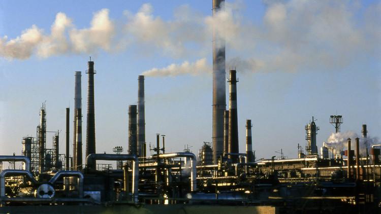 Otro efecto del Harvey: se prevé aumento de precio de gasolinas en América Latina