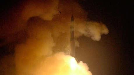 Lanzamiento de un misil Minuteman III desde la base Vandenberg. 17 de julio de 2002.