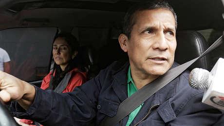 Ollanta Humana y Nadine Heredia abandonan su casa en Lima, 13 de julio de 2017.