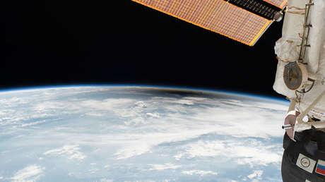 El eclipse solar total del 21 de agosto visto desde la Estación Espacial Internacional.