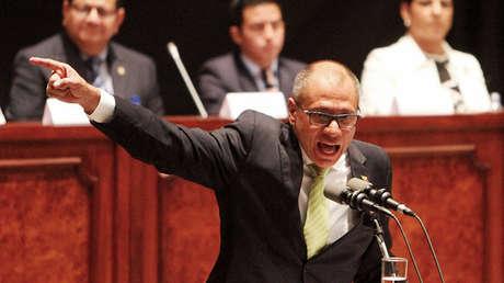 El vicepresidente de Ecuador, Jorge Glas,  mientras se dirige a la Asamblea Nacional en Quito, Ecuador, el 21 de junio de 2017.