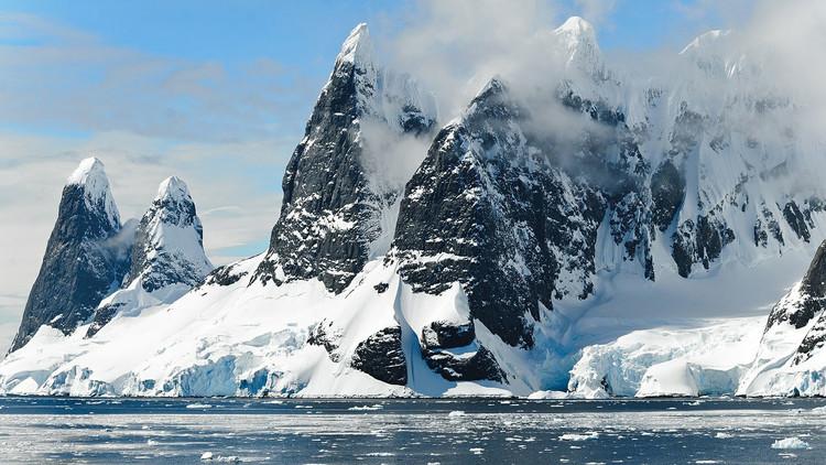 FOTO: Así quedaron las manos de un campeón de remo luego de una expedición por el Ártico