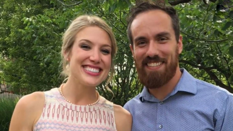 A punto de suicidarse, un llamado de una amiga le salvó la vida y 10 años después se casan (FOTOS)