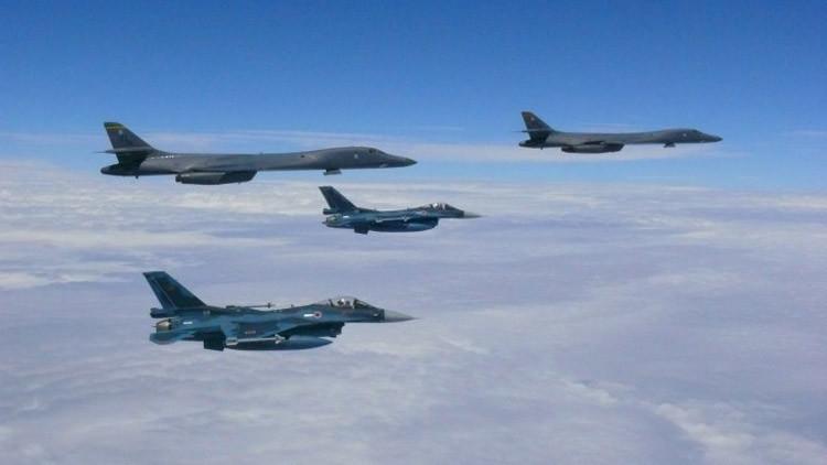 """""""Salvaje acto militar"""": Pionyang condena sobrevuelo de cazas de EE.UU. sobre la península coreana"""