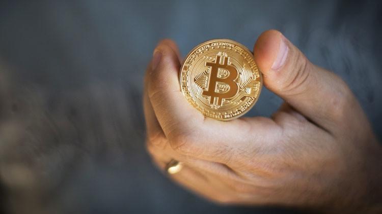 El bitcóin se sube al escalón de los 5.000 dólares por vez primera