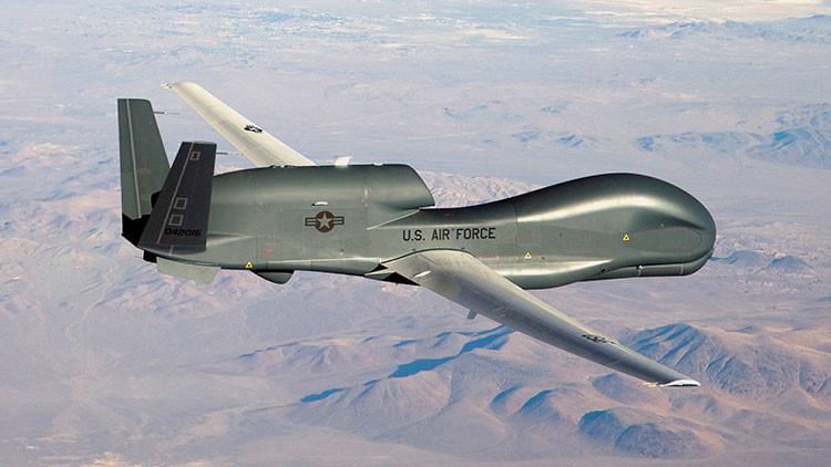 Irán 'espanta' a un dron espía estadounidense RQ-4 Global Hawk