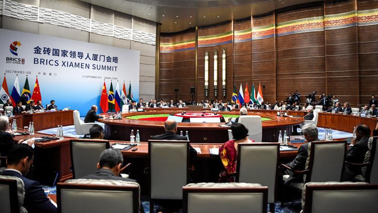 Los países del BRICS acuerdan crear un fondo de bonos en divisas nacionales