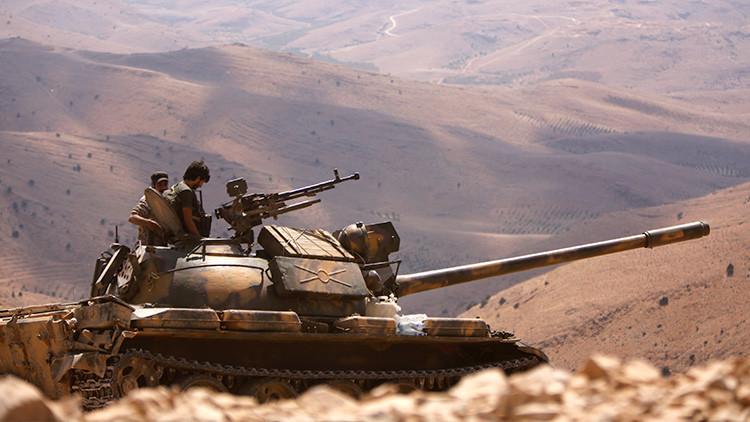 """El Ejército sirio apoyado por Rusia toma puntos """"estratégicos"""" en su contrataque contra Deir ez Zor"""