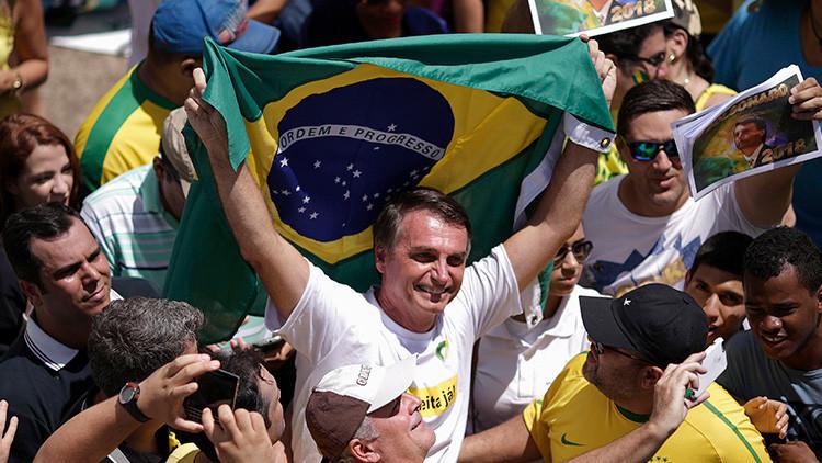 Quiere ser presidente de Brasil y responde con mensajes homófobos contra un Pulitzer