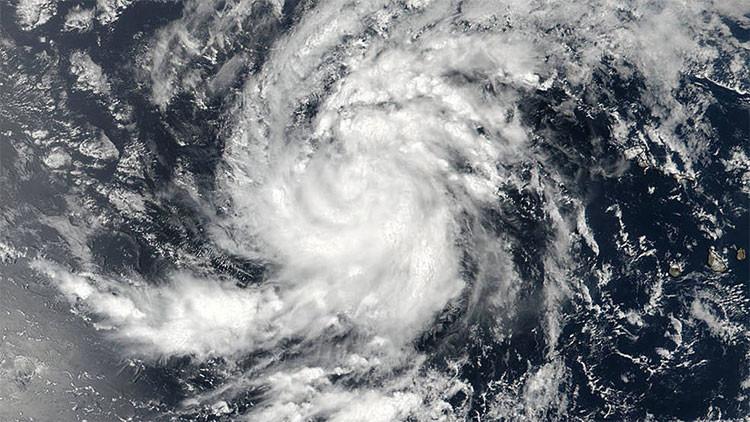 Puerto Rico entra en emergencia por la amenaza del potente huracán Irma