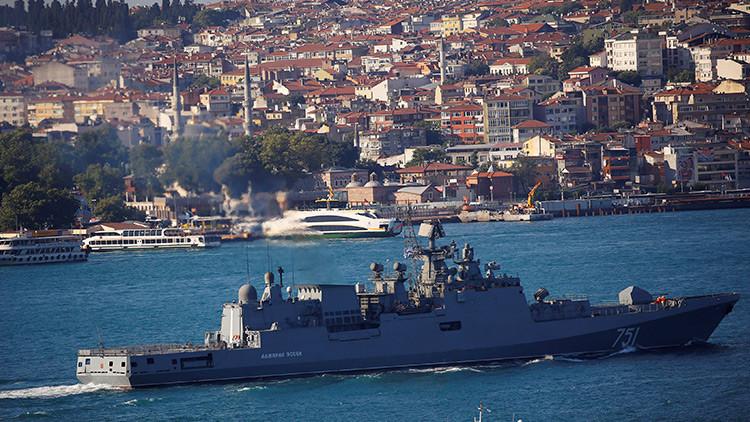 La fragata rusa Admiral Essen lanza misiles contra el Estado Islámico en Siria