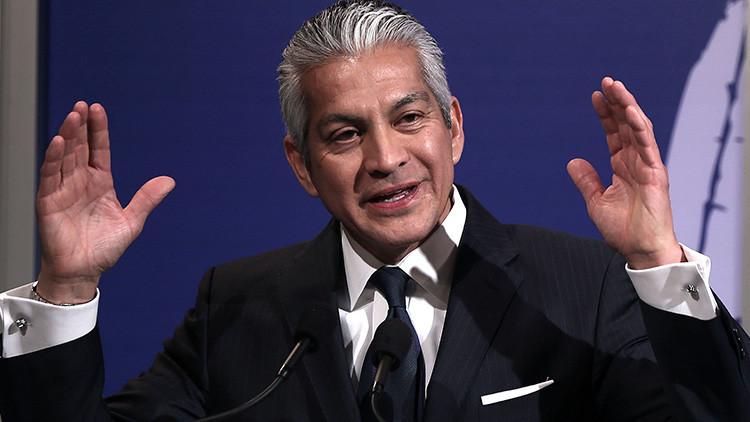 """""""Inhumano"""": El director de la Cámara de Comercio Hispana renuncia al consejo de Trump por el DACA"""