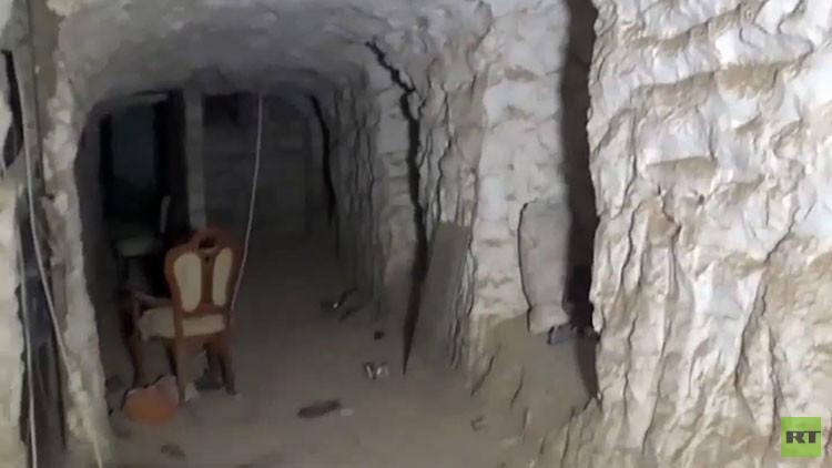 Video: Así vivían los yihadistas dentro de una colina fortificada cerca de Deir ez Zor