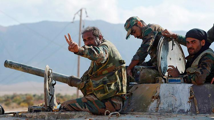 MAPA: Aviación rusa y tropas sirias rescatan a asediados en Deir ez Zor