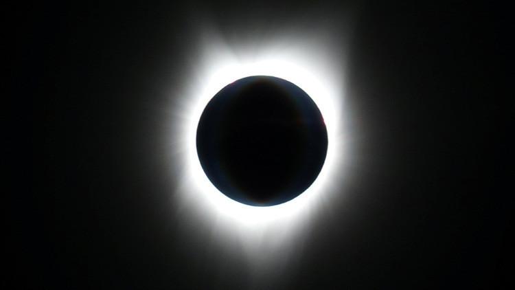 Aseguran que el eclipse total de sol generó una 'súper visión nocturna' en quienes lo observaron