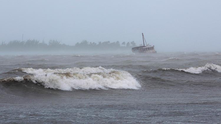 PRIMERAS IMÁGENES: El huracán Irma azota la República Dominicana con vientos de 285 km/h