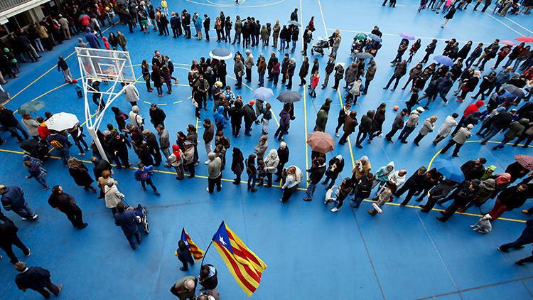 El Gobierno de Cataluña obliga a los ayuntamientos a ceder sus espacios para celebrar el referéndum