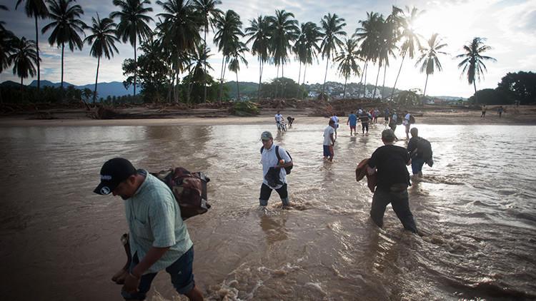 VIDEOS: México colapsa tras las lluvias y se teme la llegada de huracanes