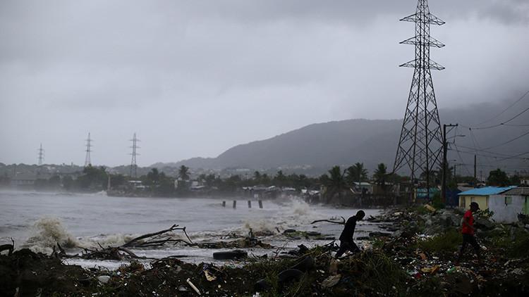 """Alcalde de Miami Beach advierte que Irma es un """"huracán nuclear"""" y llama a evacuar"""
