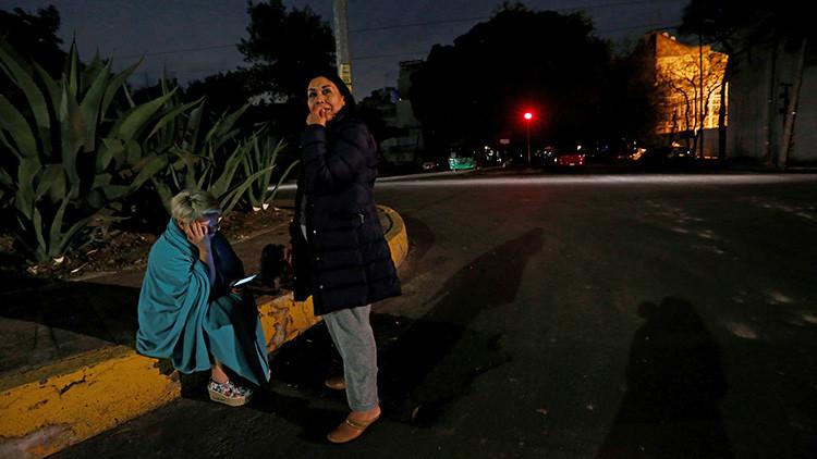 """""""La gente sale corriendo de sus hogares"""": Mexicanos cuentan cómo fue el fuerte sismo de magnitud 8,2"""