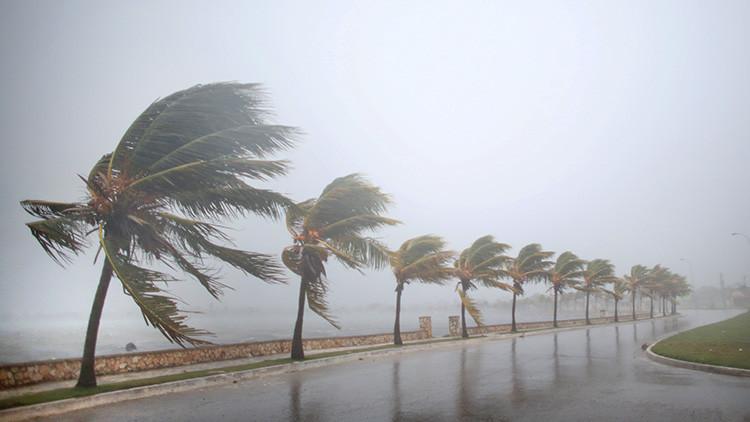 Irma llega a Cuba como huracán de quinta categoría