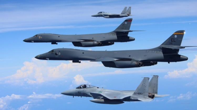 Japón y EE.UU. efectúan maniobras aéreas conjuntas sobre el mar de la China Oriental