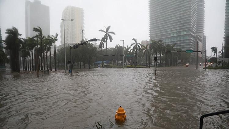 """Gobernador de Florida: """"Recen por nosotros"""""""