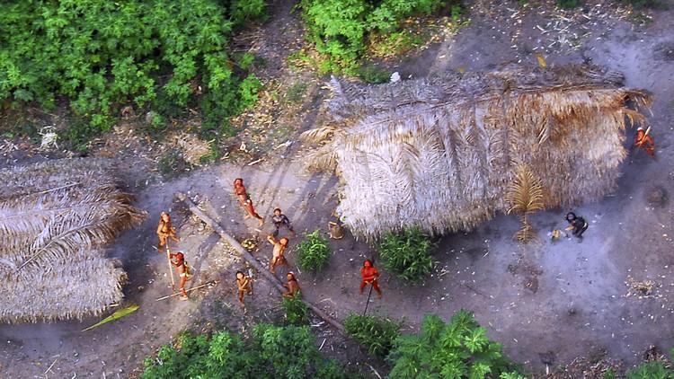 """Mineros de oro brasileños """"se jactaron"""" de matar a 10 indígenas de una tribu aislada"""
