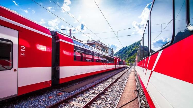 Dos trenes colisionan en Suiza, dejando una treintena de heridos