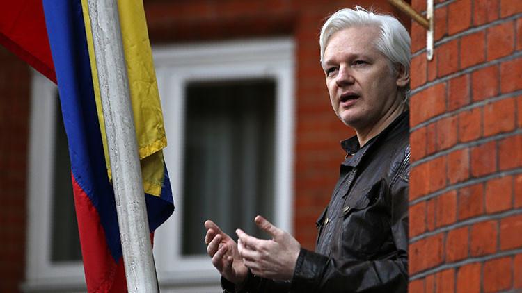 Assange pronostica para el 1-O el nacimiento de Cataluña como país o una guerra civil