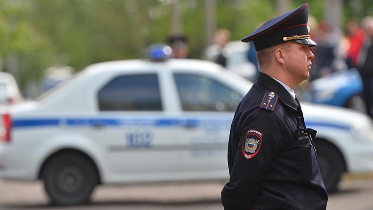 Cadena de llamadas anónimas: Evacúan edificios públicos en grandes ciudades de Rusia por amenazas