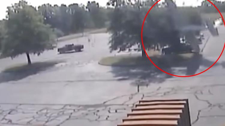Árbol salvador: Un piloto sale ileso de un accidente de avioneta