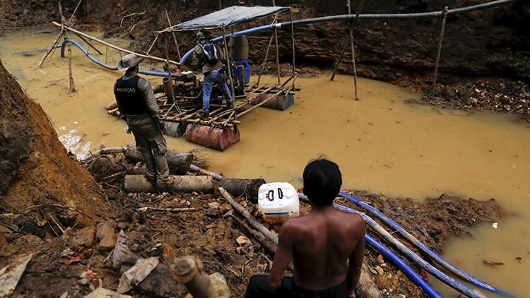 Confirman asesinato de indígenas de una tribu aislada a manos de mineros en Brasil
