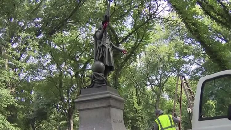 Vandalizan una estatua de Cristobal Colón en Nueva York con un enigmático mensaje