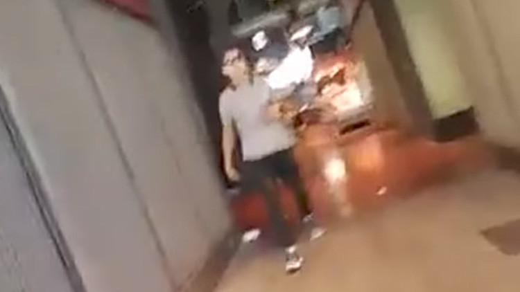 (Video) Imágenes inéditas del terrorista huyendo tras ataque en Barcelona