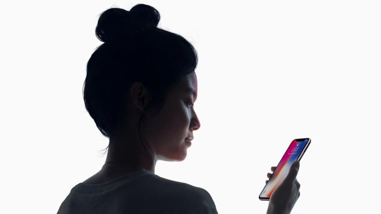 ¿Es fácil 'hackear' FaceID, la nueva tecnología que sirve para desbloquear el iPhone X?