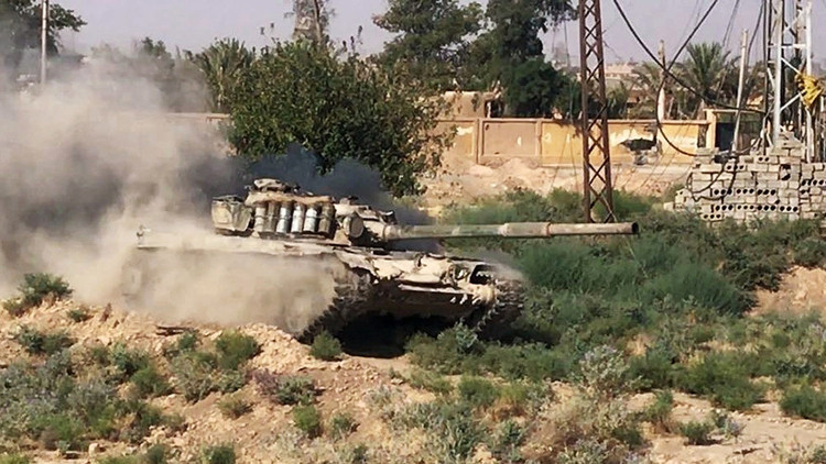 Ejército sirio toma bajo su control campos petrolíferos y una refinería de gas cerca de Deir ez Zor