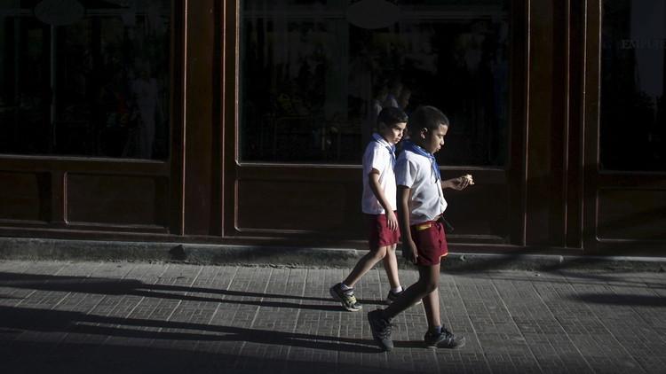 La foto del niño cubano que emociona en las redes sociales